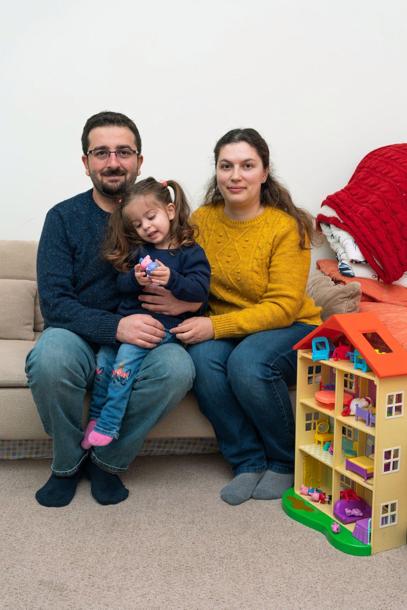 Família Kuzu em casa / MATTHEW MONEITH