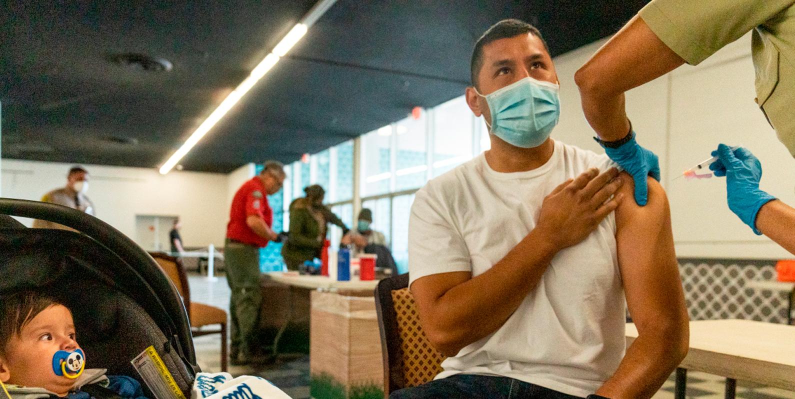 O que o Centro de Controle e Prevenção de Doenças (CDC) diz que você pode fazer uma vez que for vacinado — e o que não